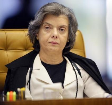 Temer viaja e Carmém Lucia assume presidência...