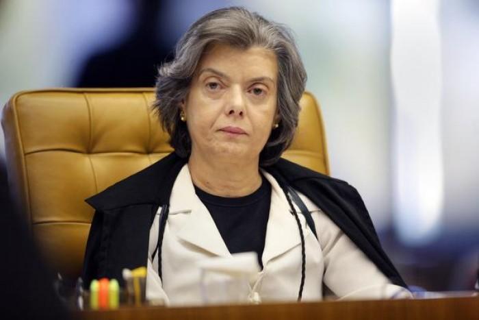 Temer viaja e Carmém Lucia assume presidência nesta sexta (13)