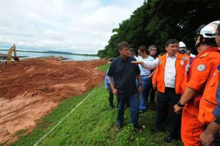 Wellington Dias acompanha trabalhos na Barragem do Bezerro