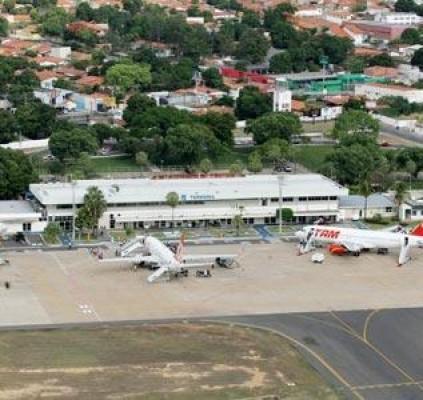 Infraero: Aeroporto de THE tem combustível somente...
