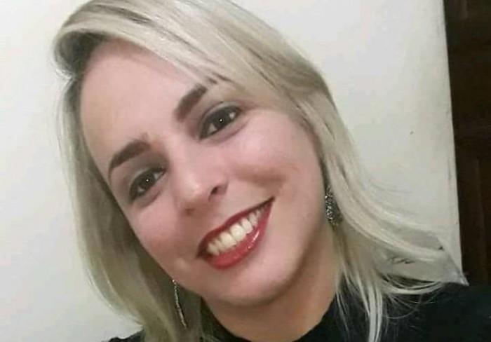 Corpo de cabeleireira encontrada morta é enterrado em Teresina