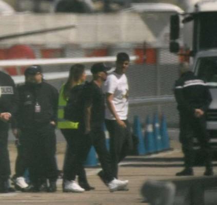 Neymar chega a Paris para encerrar tratamento...