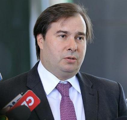 Rodrigo Maia diz que Congresso não aprovará...