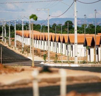 Temer anuncia construção de 50 mil casas...