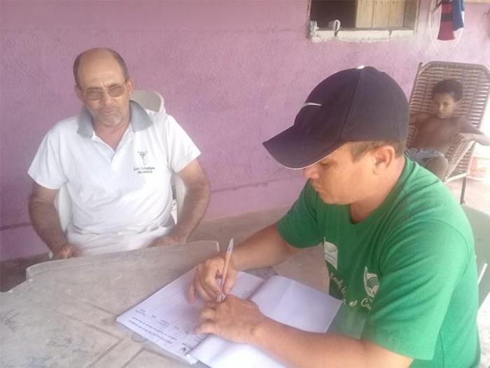Agricultores são cadastrados para fornecerem merenda às escolas municipais