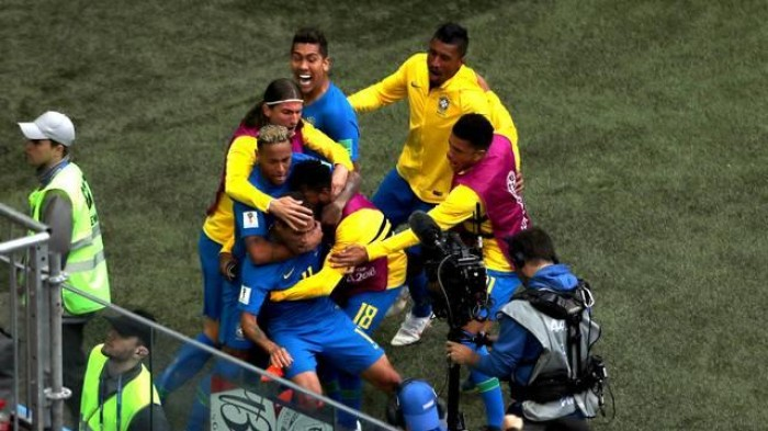Brasil sofre, mas vence a Costa Rica por 2 a 0 e gol no acréscimo
