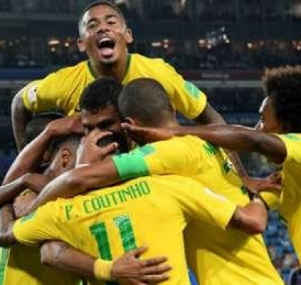 Brasil vence a Sérvia e encara o...
