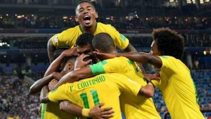 Brasil vence a Sérvia e encara o México nas oitavas de final
