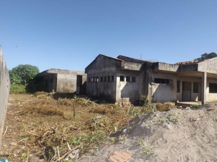 Creches inacabadas por Capote deixam Barras sem recursos federais