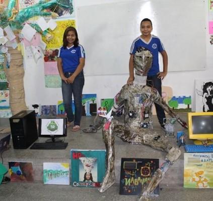 Escola usa arte para desenvolver sensibilidade em...