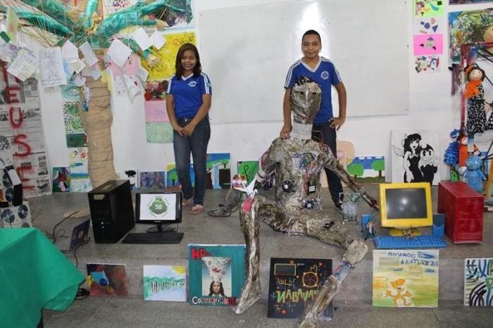 Escola usa arte para desenvolver sensibilidade em alunos