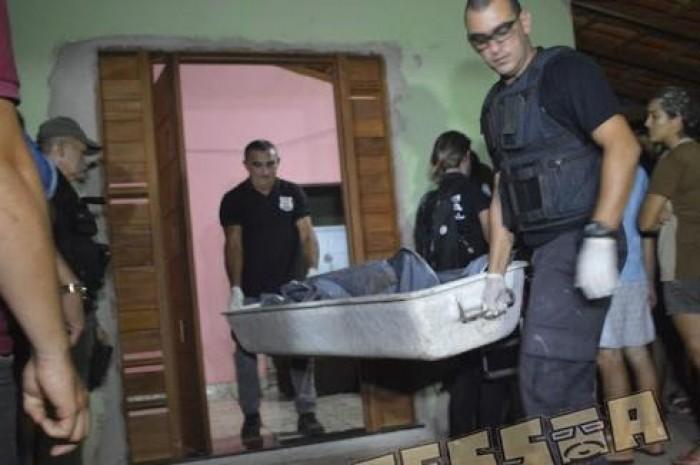 Mulher é morta a facadas pelo marido na zona rural de Luís Correia