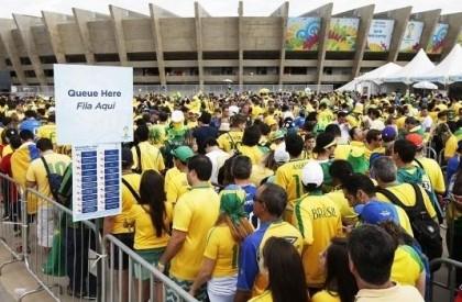 Torcedores barrados em jogo da Copa 2014 serão indenizados em R$ 90 mil