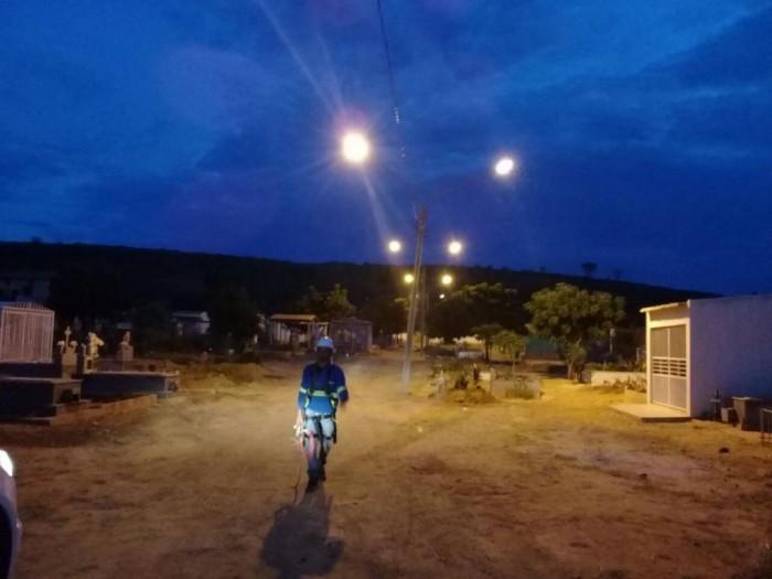 Vias da zona rural de Picos recebem melhorias na iluminação