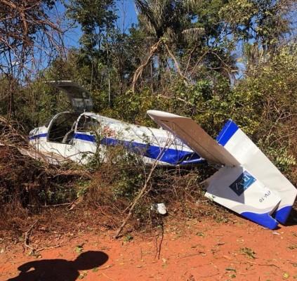 Avião com Wilson e Rodrigo Martins faz...