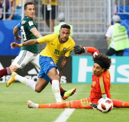Brasil bate o México e avança às...