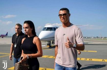 Cristiano Ronaldo chega à Itália para assinar com a Juventus
