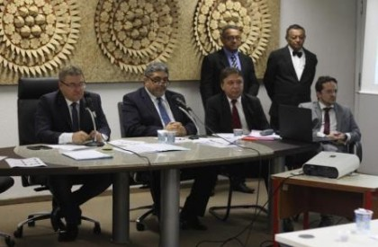 Deputados contestam dados das finanças apresentados pelo governo