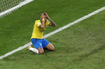 Neymar fica fora da lista dos 10 melhores do...
