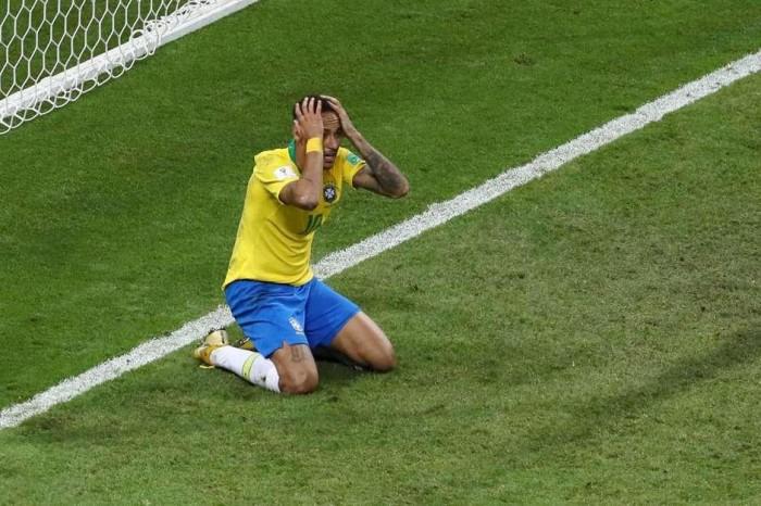 Neymar fica fora da lista dos 10 melhores do mundo da Fifa