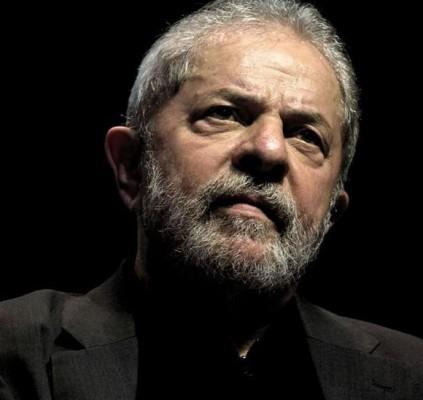 Presidente do TRF-4 determina que Lula deve...
