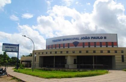 Teatro João Paulo II recebe dois espetáculos nesta sexta...