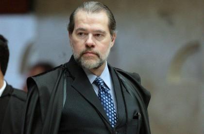 Toffoli cassa decisão de Moro e livra Dirceu de...