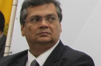 Juíza torna Flavio Dino e vice inelegíveis por 8 anos