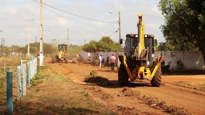 Ruas de Bacabal são desobstruídas após meses de abandono