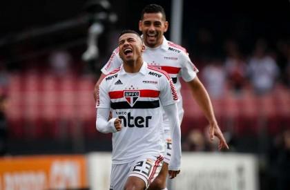 São Paulo vence o Vasco na marra e assume...