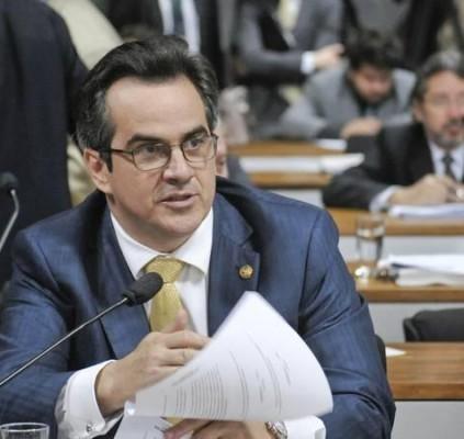 STF rejeita denúncia da PGR contra senador...