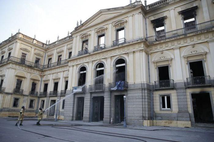 Ministério vai liberar R$ 10 milhões para Museu Nacional