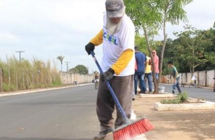 Capangas armados ameaçam garis e limpeza do bairro Trizidela é suspensa