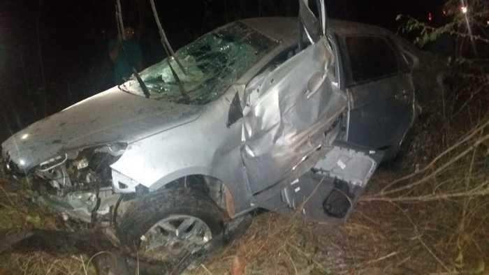 Colisão entre carro e caminhão deixa um morto na BR-316