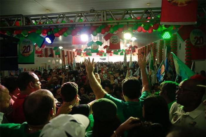 Multidão participa de inauguração de comitê do candidato Edvan Brandão