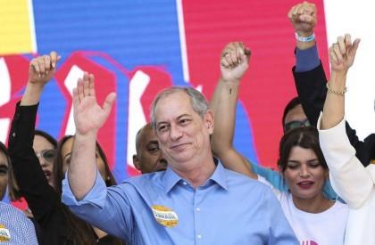 Presidenciável Ciro Gomes cumpre agenda em Teresina neste domingo
