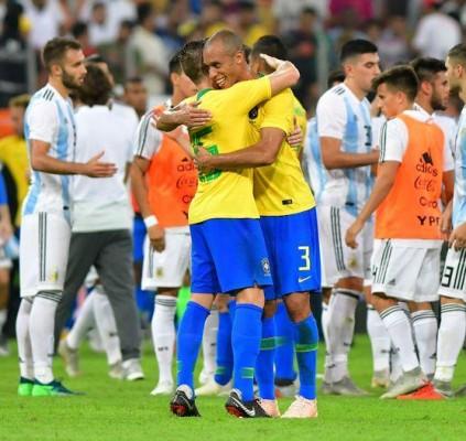 Brasil ganha nos acréscimos da Argentina por...