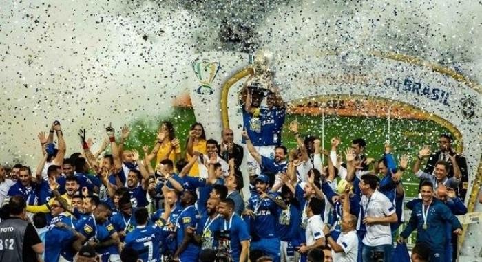 Cruzeiro vence Corinthians e é campeão da Copa do Brasil