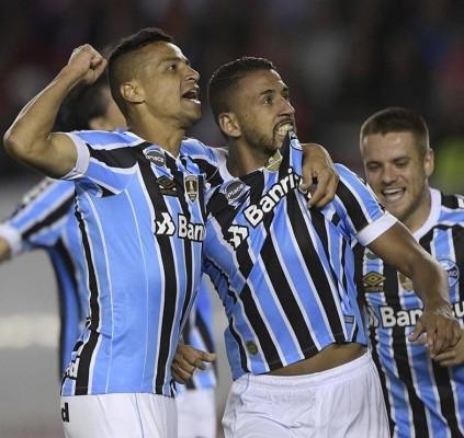 Grêmio vence na Argentina e cala torcida...