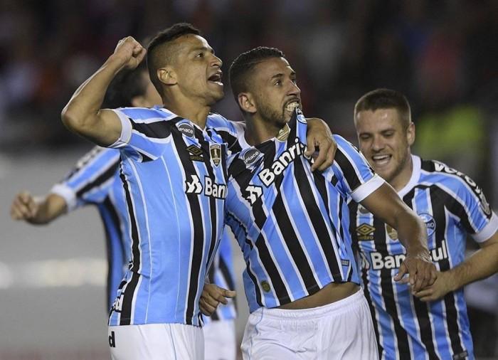 Grêmio vence na Argentina e cala torcida do River Plate