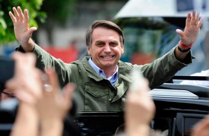 Jair Bolsonaro é eleito presidente e encerra séria de...