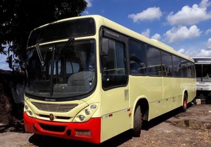 Ladrões roubam R$ 52mil em vales de empresa de ônibus