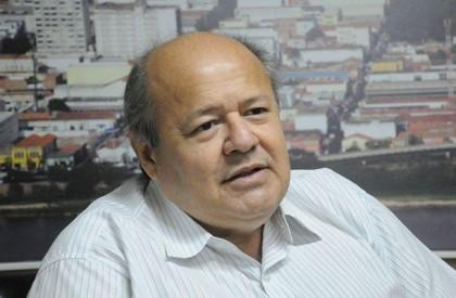 Professor Charles Silveira assumirá Fundação Municipal de Saúde