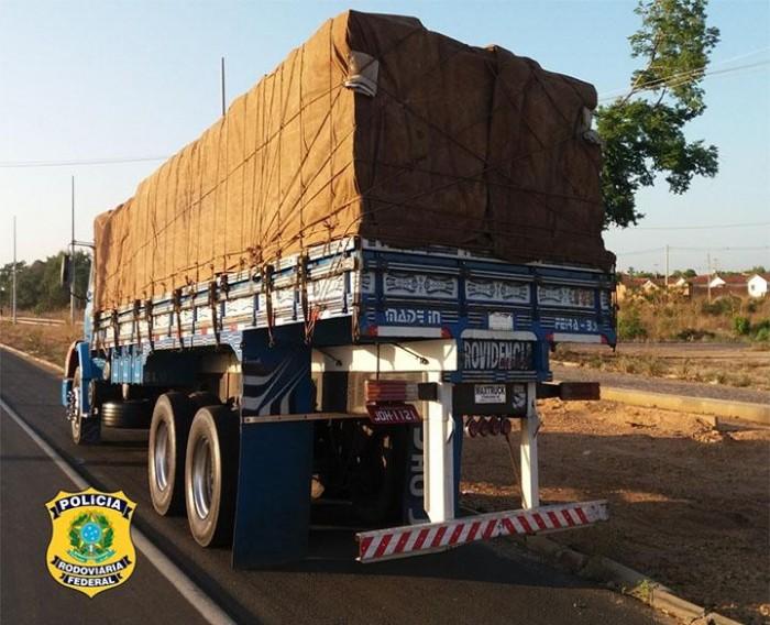 Madeira transportada sem licença ambiental é apreendida em Teresina