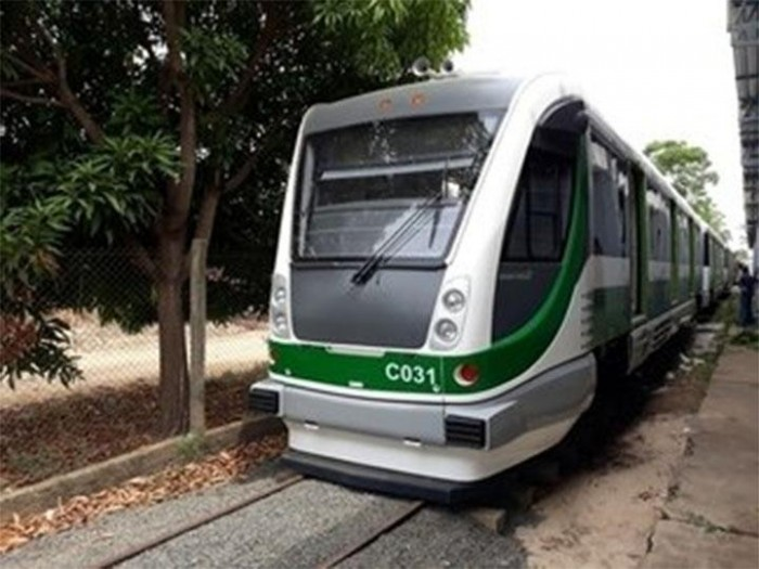 Modernização: mais um veículo leve sobre trilhos chega a Teresina