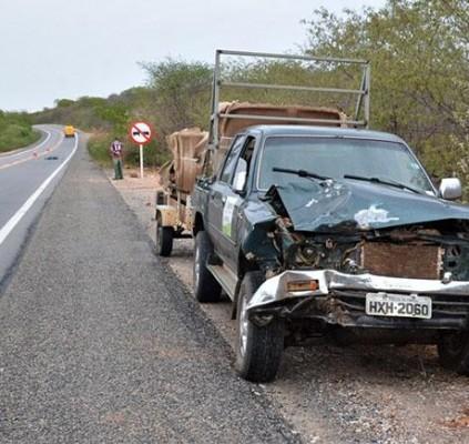 Motociclista morre após colidir frontalmente com uma...