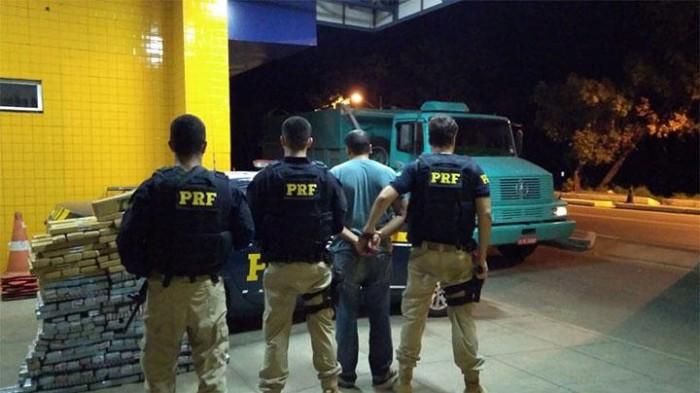 Polícia apreende 300kg de maconha e prende homem em Floriano