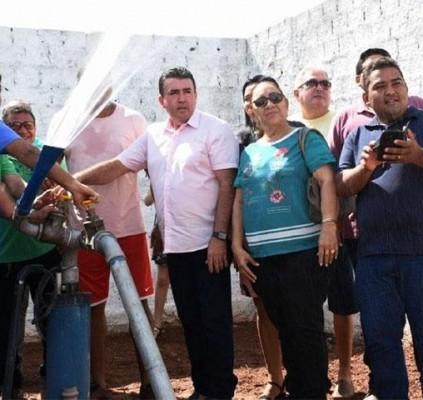 Prefeito Edvan Brandão inaugura  terceiro poço...