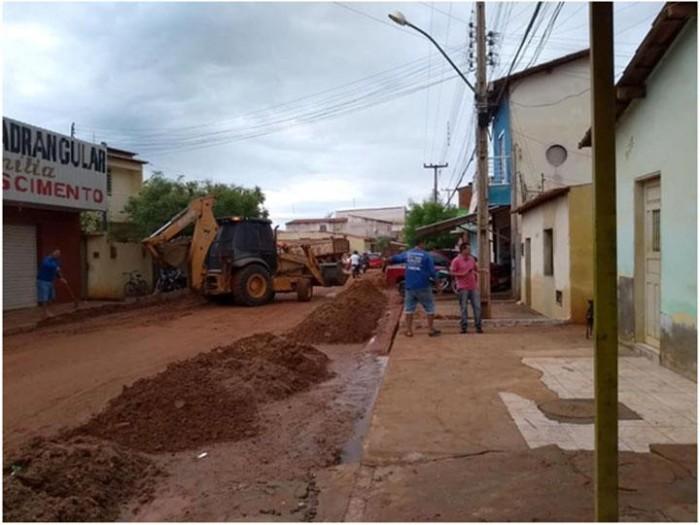 Prefeitura de Picos trabalha na reparação dos danos causados pelas chuvas