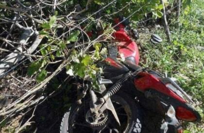 Assaltante morre após realizar assaltos e sofrer acidente em...